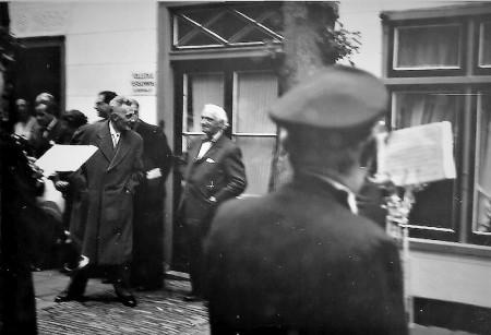 HVB FO 00738  Roland Holst en Wiegman bij de Rustende Jager (1)