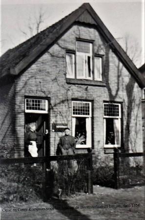 HVB FO 00759  Beemsterlaan 21 met bewoners