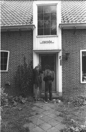 HVB FO 00772  Spoorlaantje 2 wordt gekraakt, 1980. Foto Joop Boek