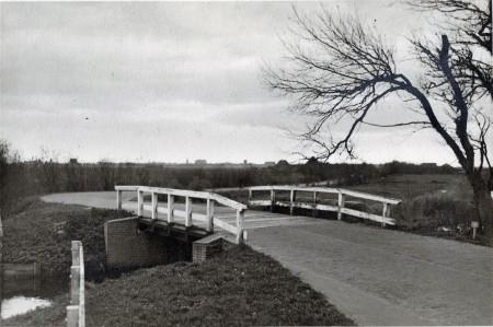 HVB FO 00823  Veerebrug, ca 1925