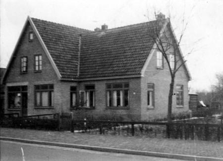 HVB FO 00828  Oosterweg 26 (woning en werkplaats van Jan Rose)
