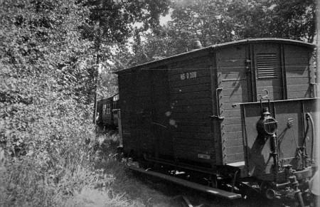 HVB FO 00835  Ontsporing bij halte Oostdorp, ca 1935